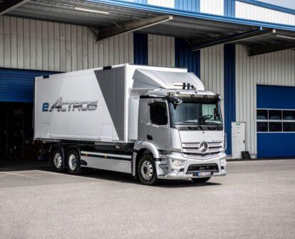 Mercedes-Benz Trucks в России совместно с руководством Daimler Truck AG представили первый тяжелый электрический тягач eActros